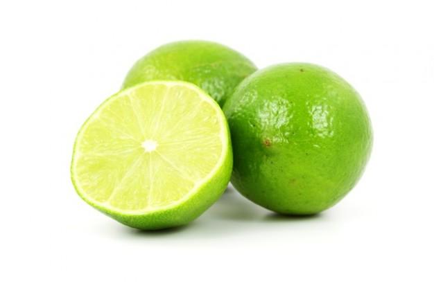 halv-frukt-farska-citrusfrukter-isolerad-mat_121-2272